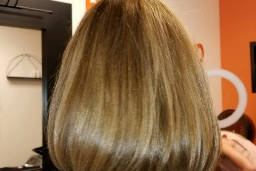 blonde bob with brown highlights